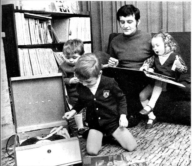 Larry_gogan_family_records1