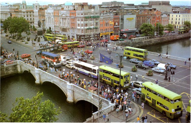 oconnell_bridge_dublin_1990s