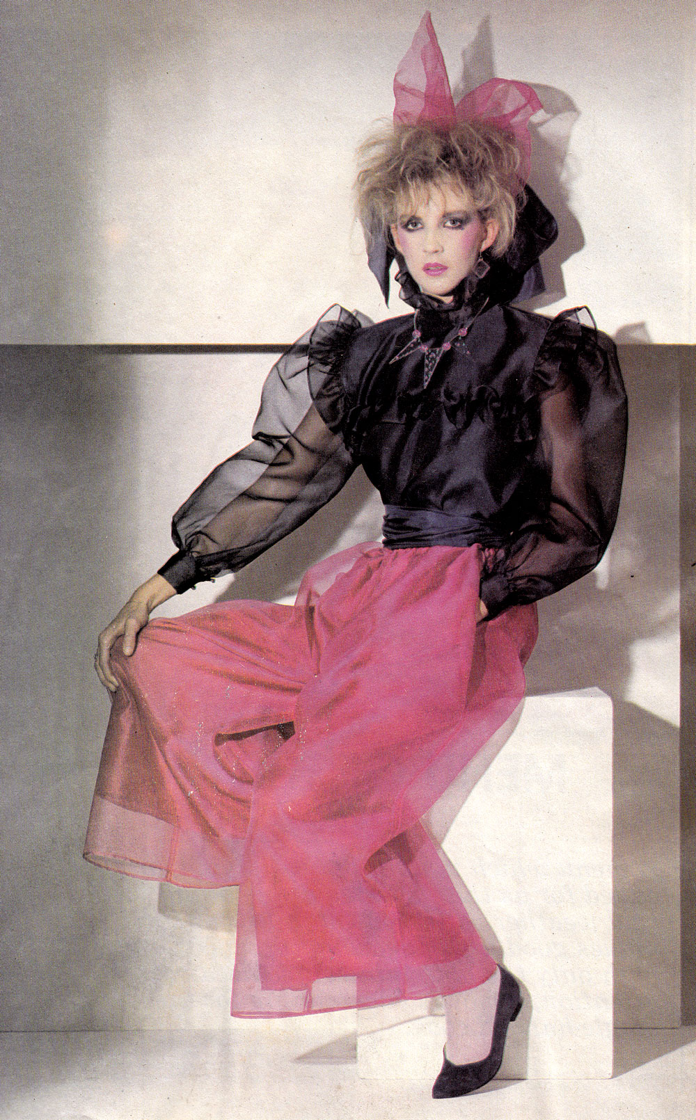 eily_doolan-john-rocha-fashion-feature-sunday-tribune-1982