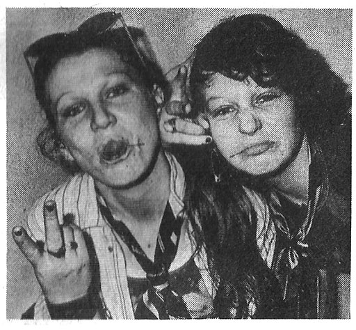2-girls_punk_dublin_1978
