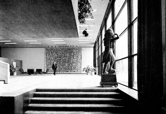 pj_carrolls_factory_dundalk_1971_steps