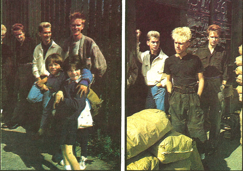 depeche-mode-dublin-1983-a booth