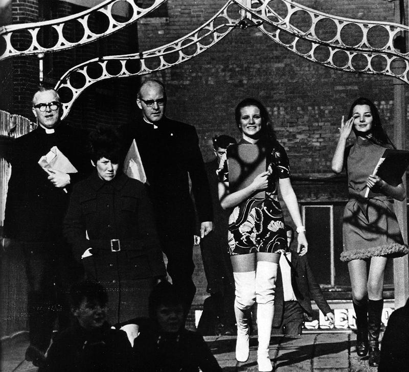colman-doyle-hapenny-bridge-1971